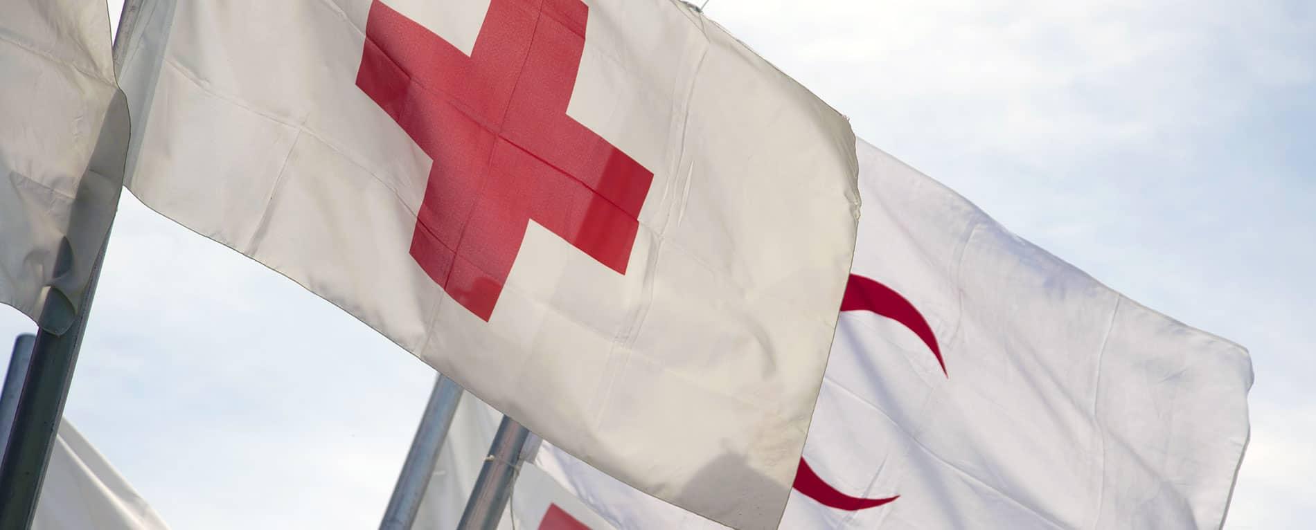Bandiere Croce Rossa e Mezza Luna Rossa