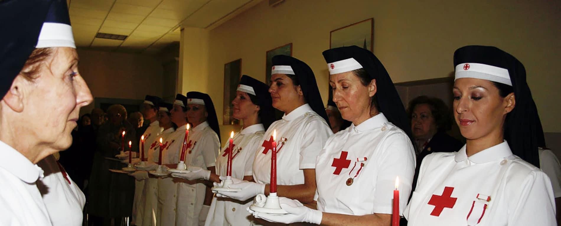 Cerimonia della Lampada - Infermiere Volontarie