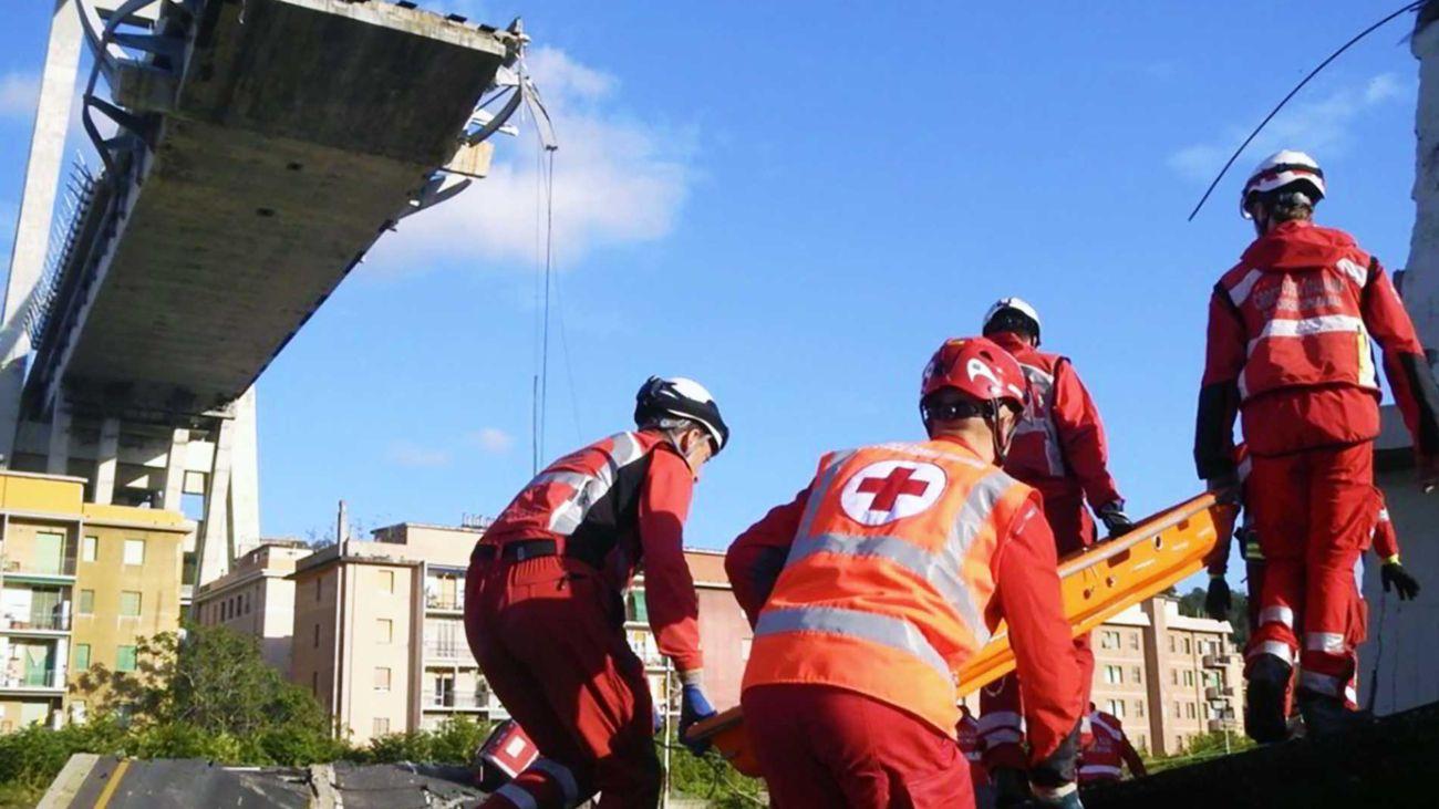 Ponte Morandi Genova. Volontati CRI specializzati OPEM durante i soccorsi