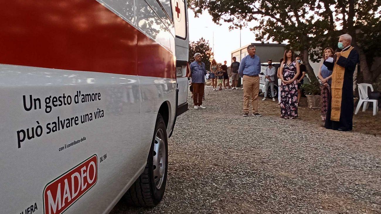 Consegna ambulanza alla sede operativa di San Demetrio Corone